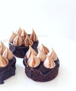 Cocoa Meringue Brownies by Brownie Mischief