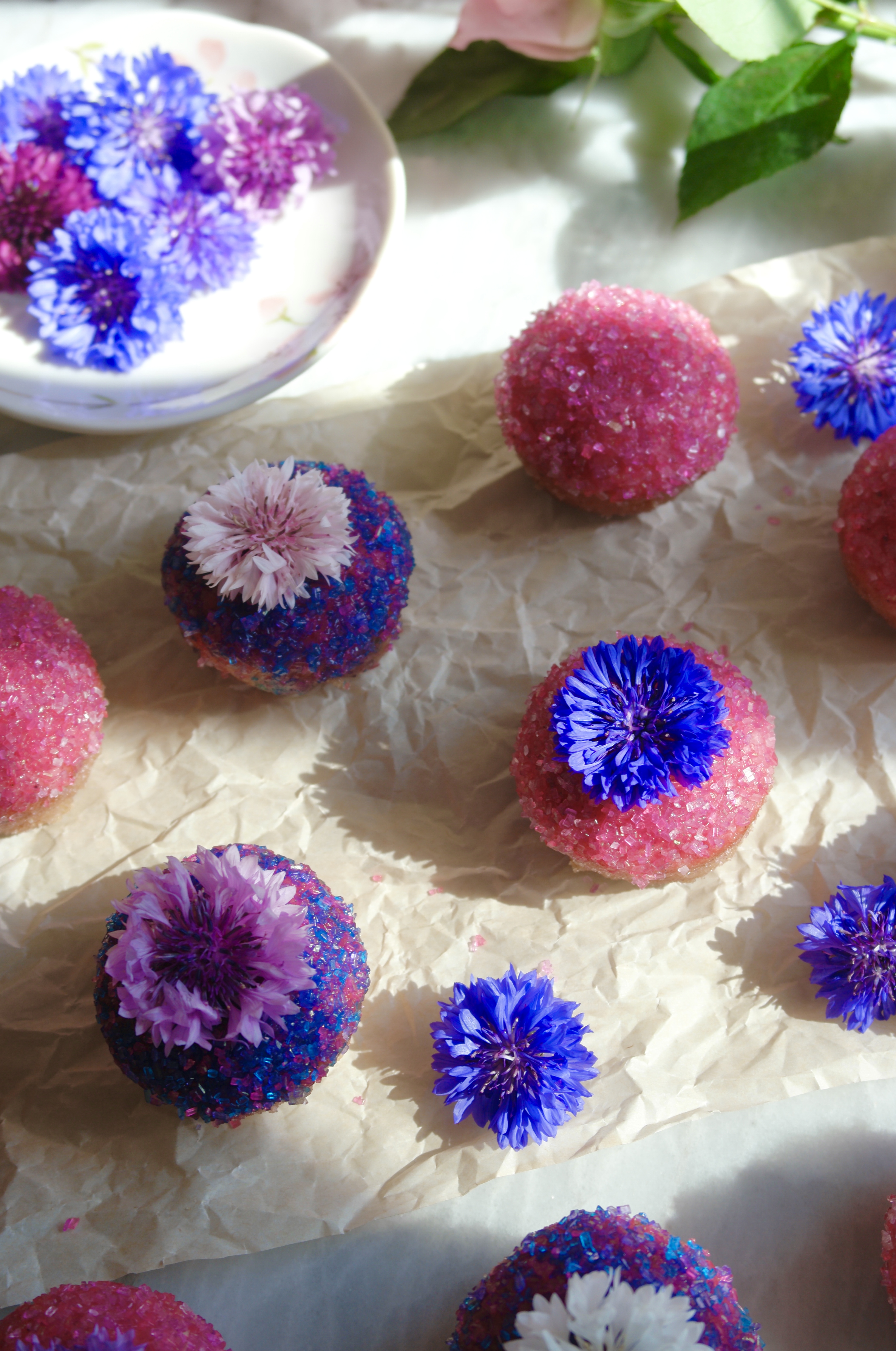 sugared mini muffins with edible flowers